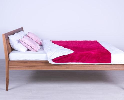 Drveni bračni i drveni singl kreveti