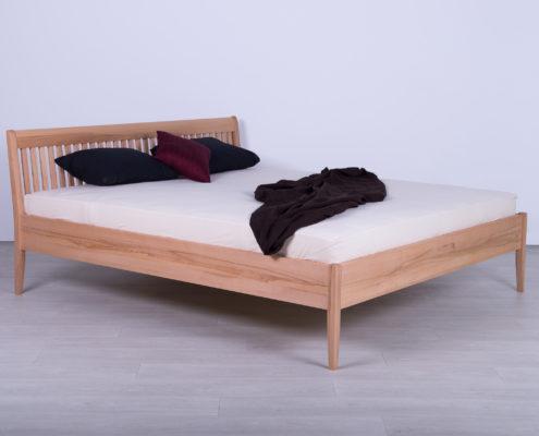 RAST nameštaj - kreveti od punog drveta