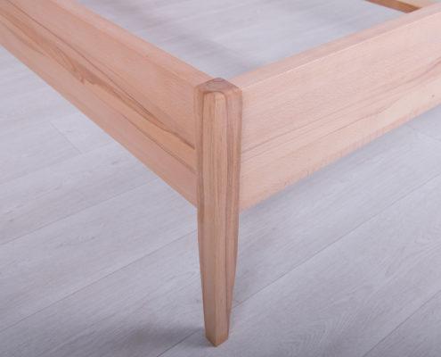 Čvrsti kreveti izradjeni od punog drveta