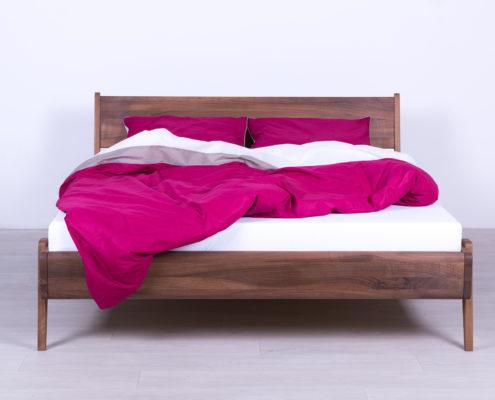 Bracni kreveti od punog drveta