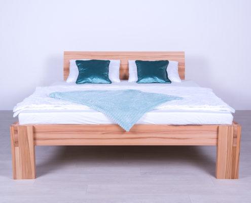 Krevet od punog drveta
