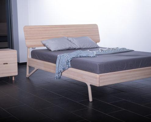 krevet puno drvo - krevet masiv