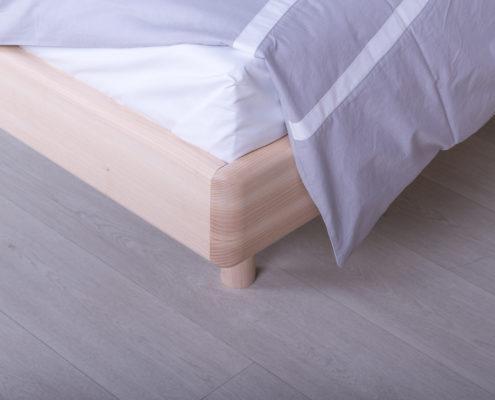 Masivni bračni kreveti