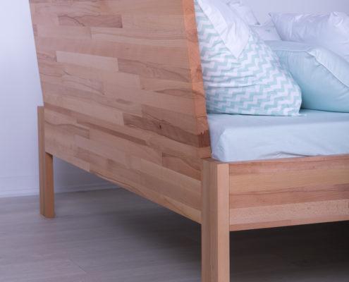 Bračni kreveti izradjeni od punog drveta