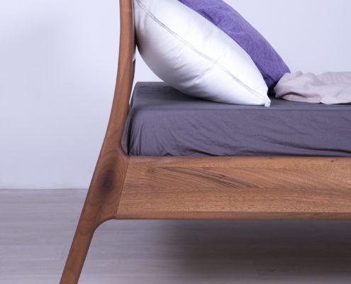 krevet od masiva novi sad