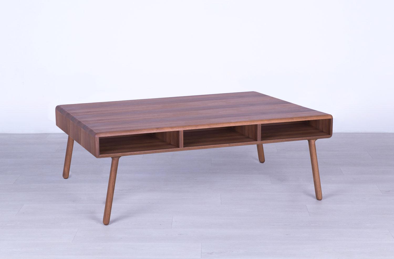 klub sto od punog drveta