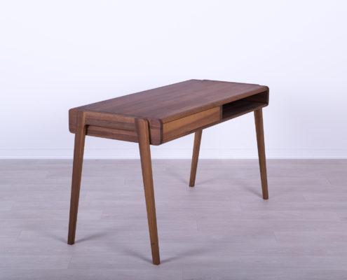 masivni radni stolovi